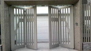 Những lưu ý quan trọng khi lắp đặt và sử dụng cửa sắt ray trượt